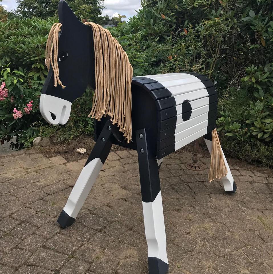 """Pony """"Lucky""""  als kl. Donner, ab 70-100cm inkl. Augen und Nüstern, Blässe u. Hufbemalung"""